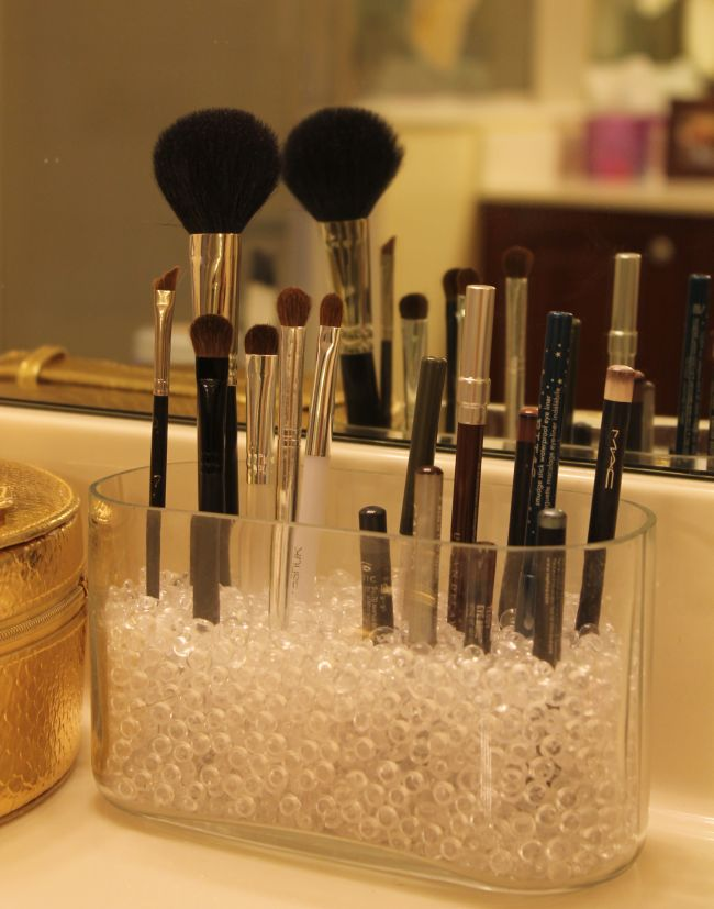 how to store make-up brushes