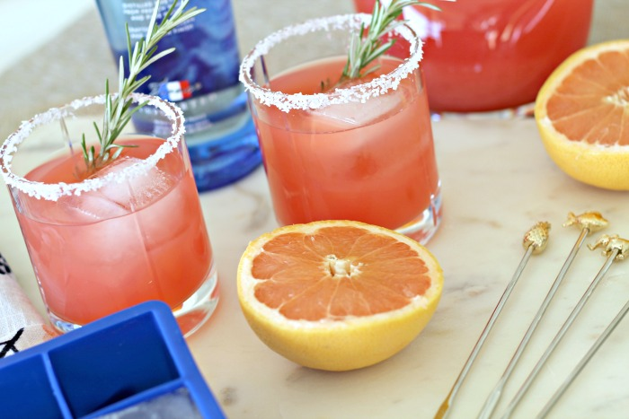 Salty Dog Cocktail with Rosemary | The Average Girl's Guide
