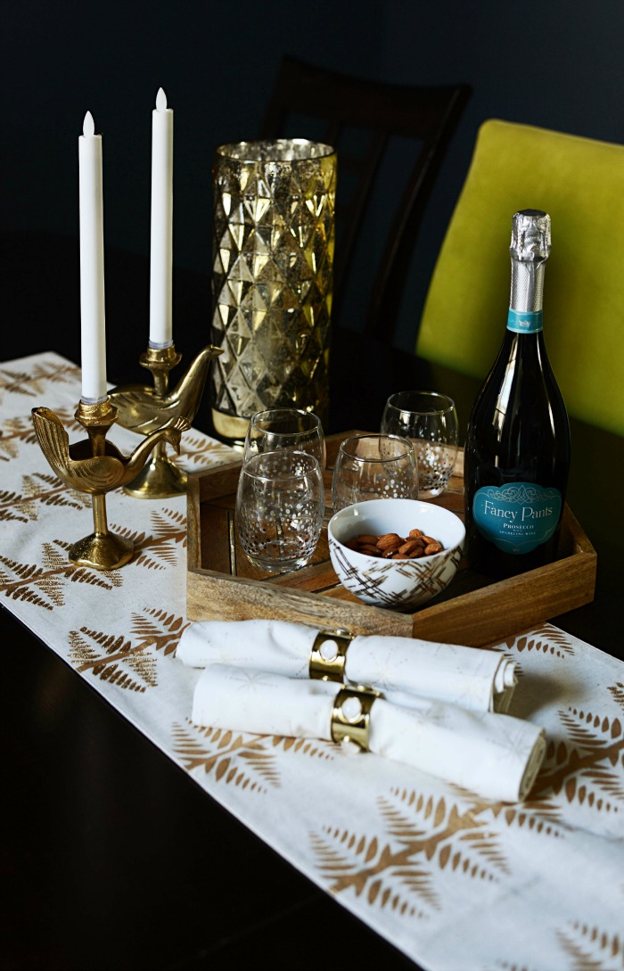 Glam holiday dining room table