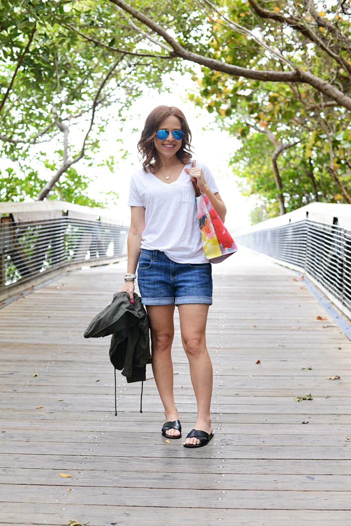 How to wear a cargo jacket in the summer