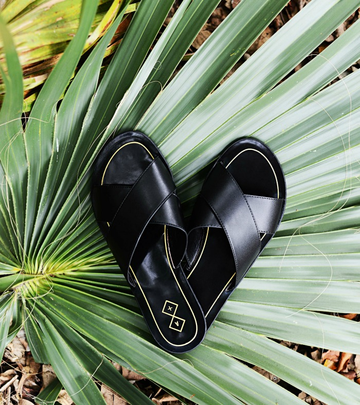 slide sandals, how to wear - Casual Mom Outfit featured by popular Florida style blogger, The Modern Savvy
