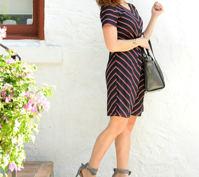 Striped dress for fall  // the modern savvy
