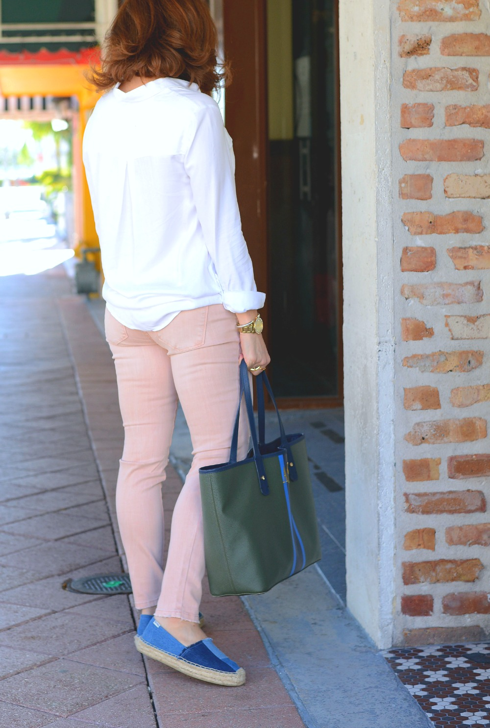 Pink denim for spring // the modern savvy