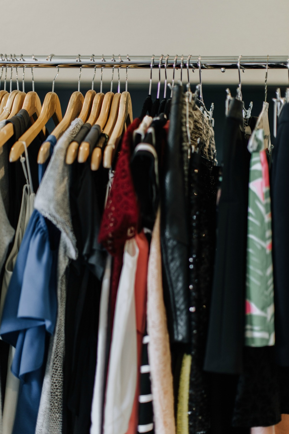 An insight look at a real girl's closet purge // the modern savvy