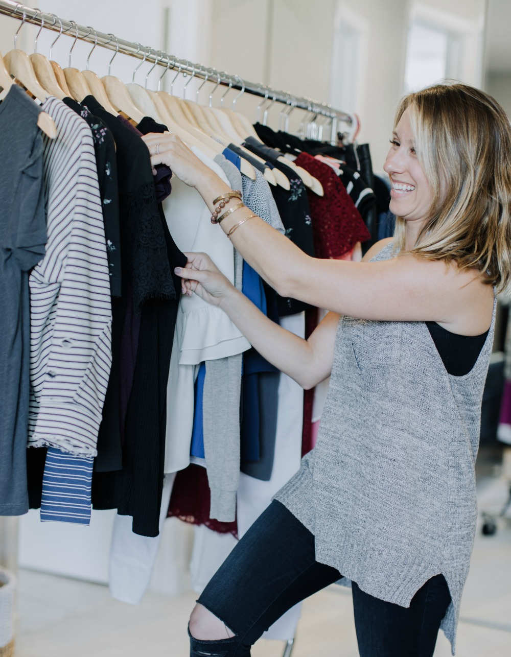 How to clean out your closet with a stylish boutique owner's best tips // the modern savvy