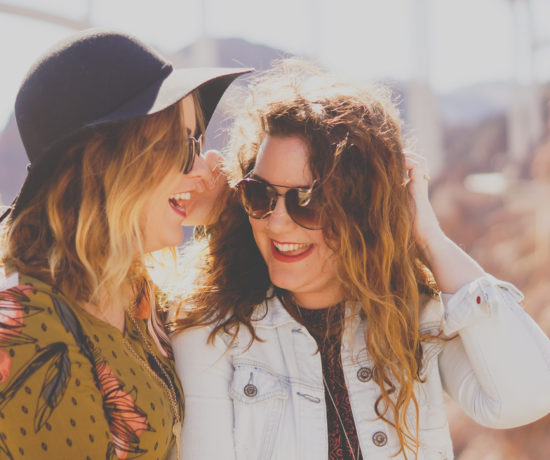 Why Giving Compliments Is Good for Everyone, How to Spread Kindness // the modern savvy