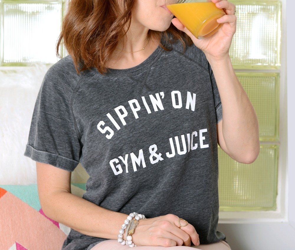Cutest (Target!) tee, plus good juice, how to make your health a priority and all the good stuff // the modern savvy