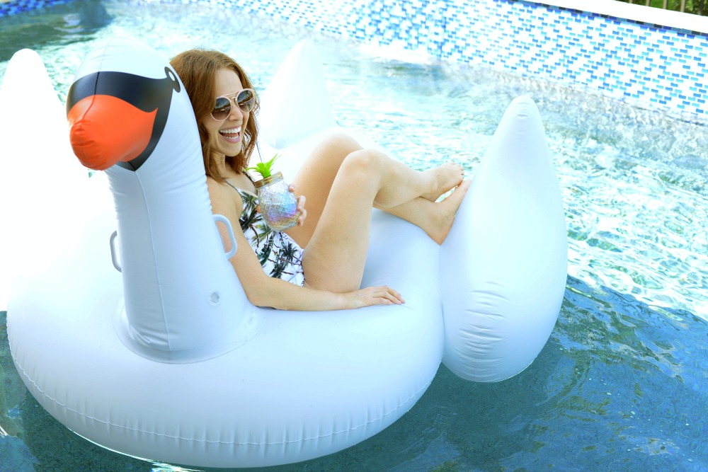 The Best Pool Floats For Summer The Modern Savvy