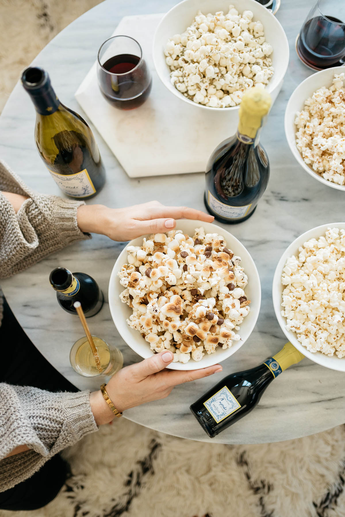 GIrls Night In // 10 Ways to Spend the Perfect Night at Home