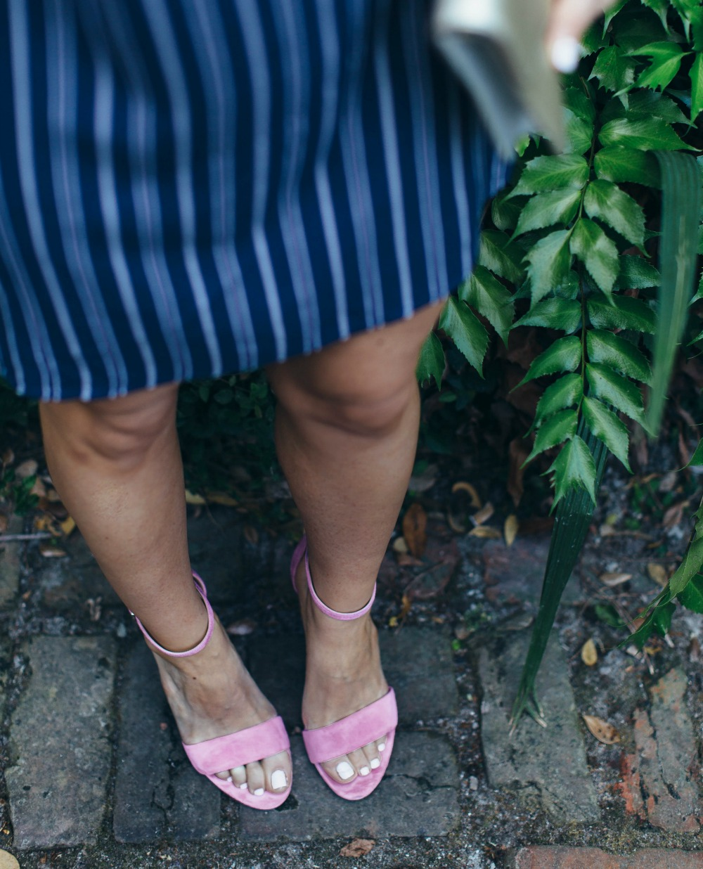 pink heels & stripes! // the modern savvy, a life & style blog