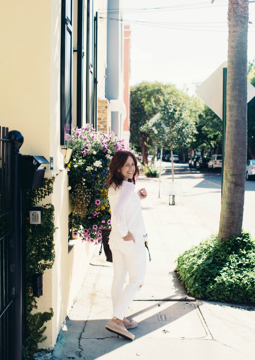 how to wear an all white outfit // the modern savvy, a life & style blog