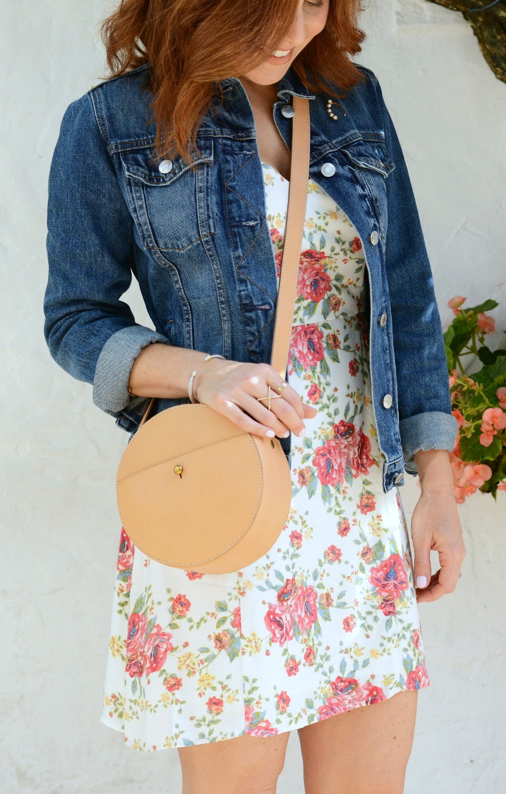 Madewell circle bag completes a timeless spring look // modern savvy, a life & style blog for women over 30