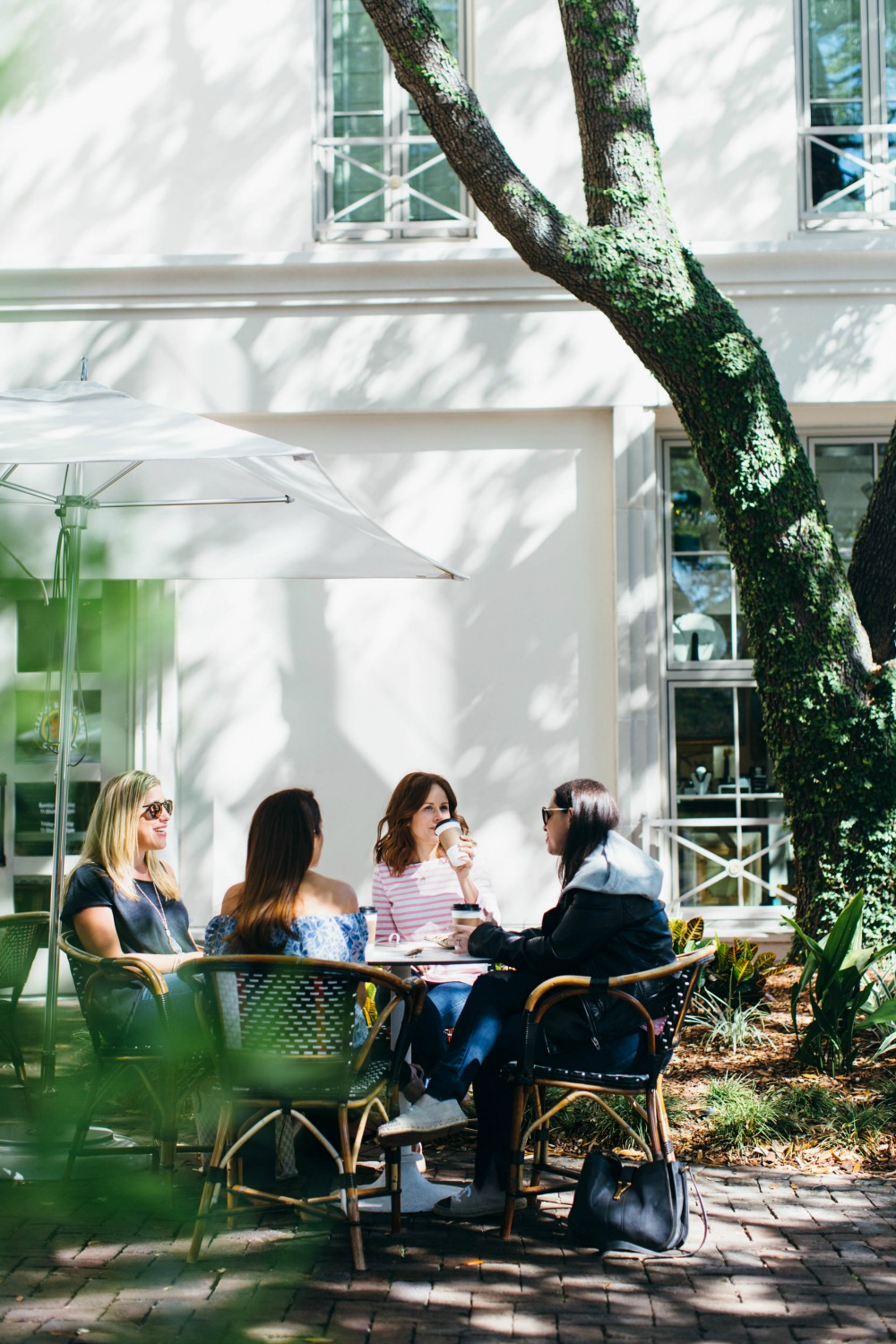 See, do, eat, drink & shop // Girls Weekend Guide to Charleston - A Girls Weekend in Charleston by popular Florida travel blogger The Modern Savvy