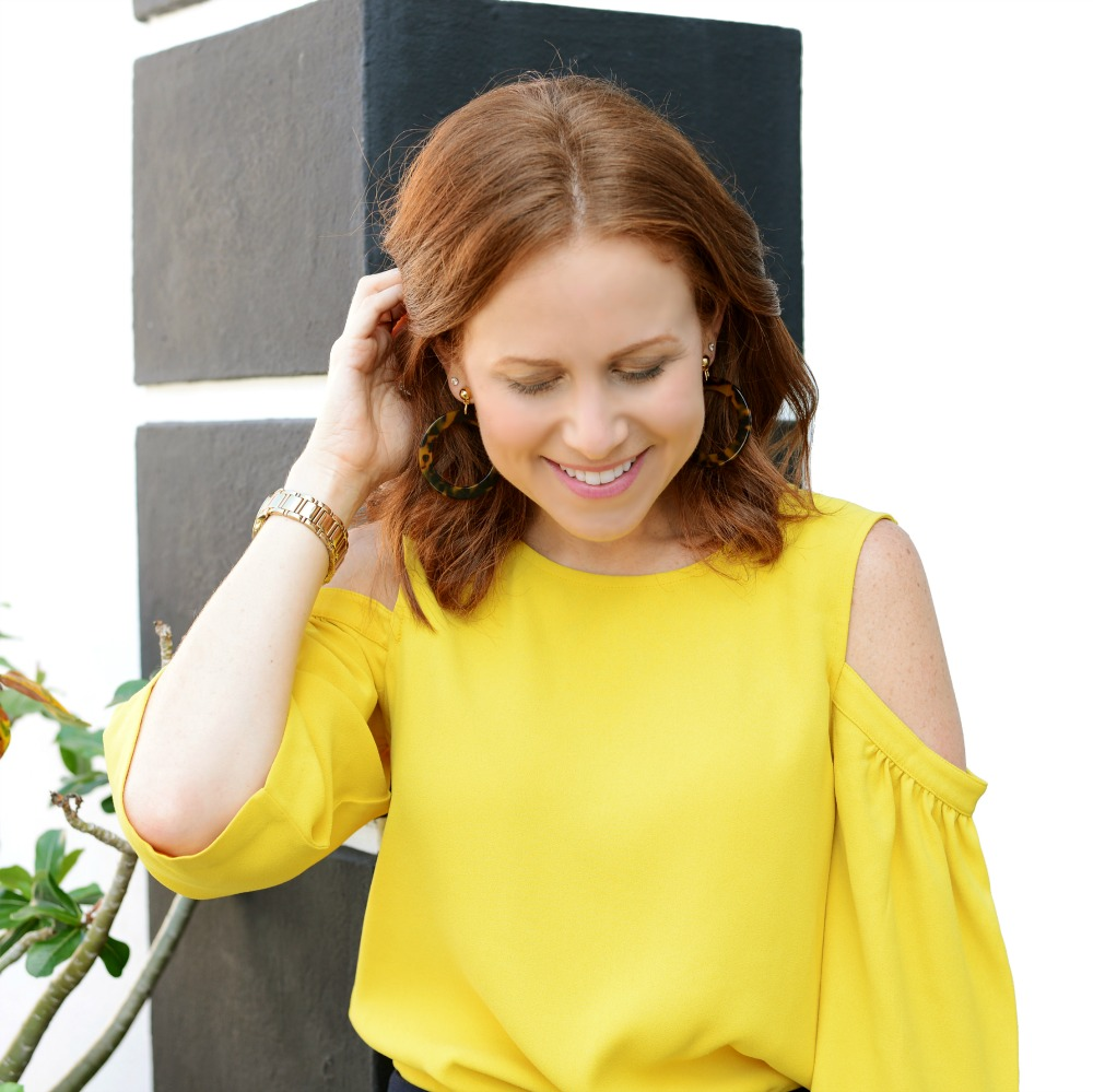 How this redhead blogger embraces new colors for summer // the modern savvy