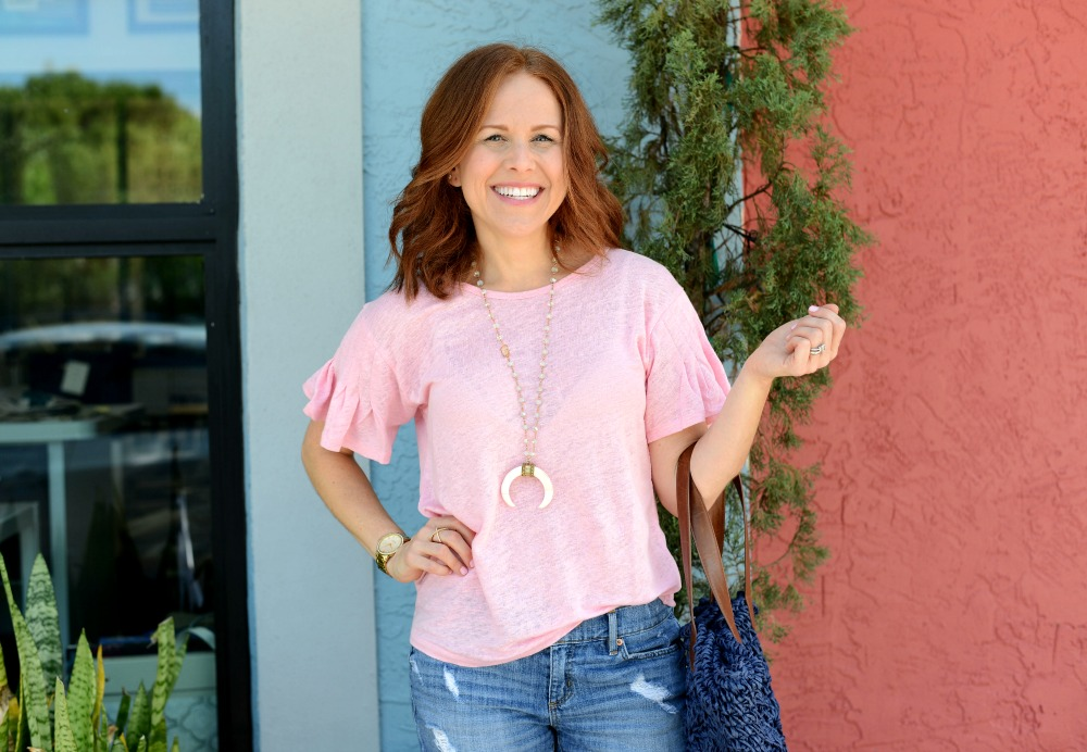Casual cute weekend look for those over 30 // the modern savvy