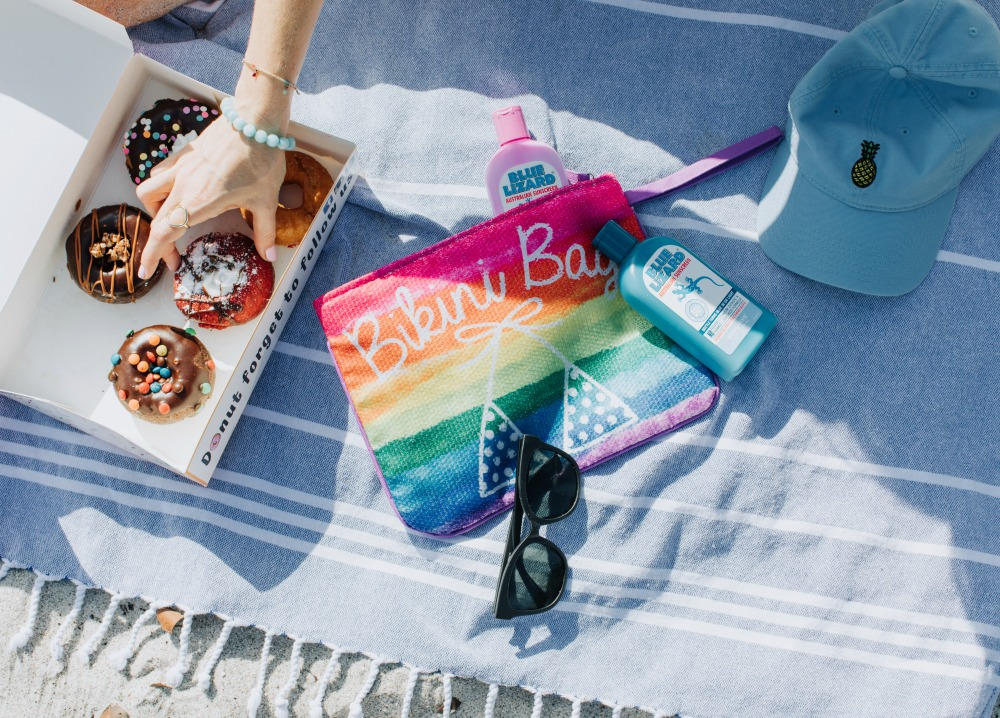 Beach Day essentials // the modern savvy