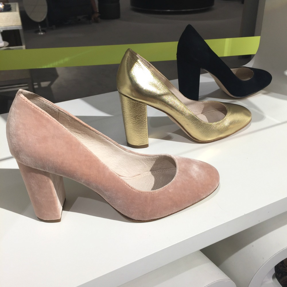 Nordstrom Anniversary sale 2017 // The Modern Savvy shares her 50 top finds, plus lots of dressing room selfies to see how everything looks on a real girlNordstrom Anniversary sale 2017 // The Modern Savvy shares her 50 top finds, plus lots of dressing room selfies to see how everything looks on a real girl
