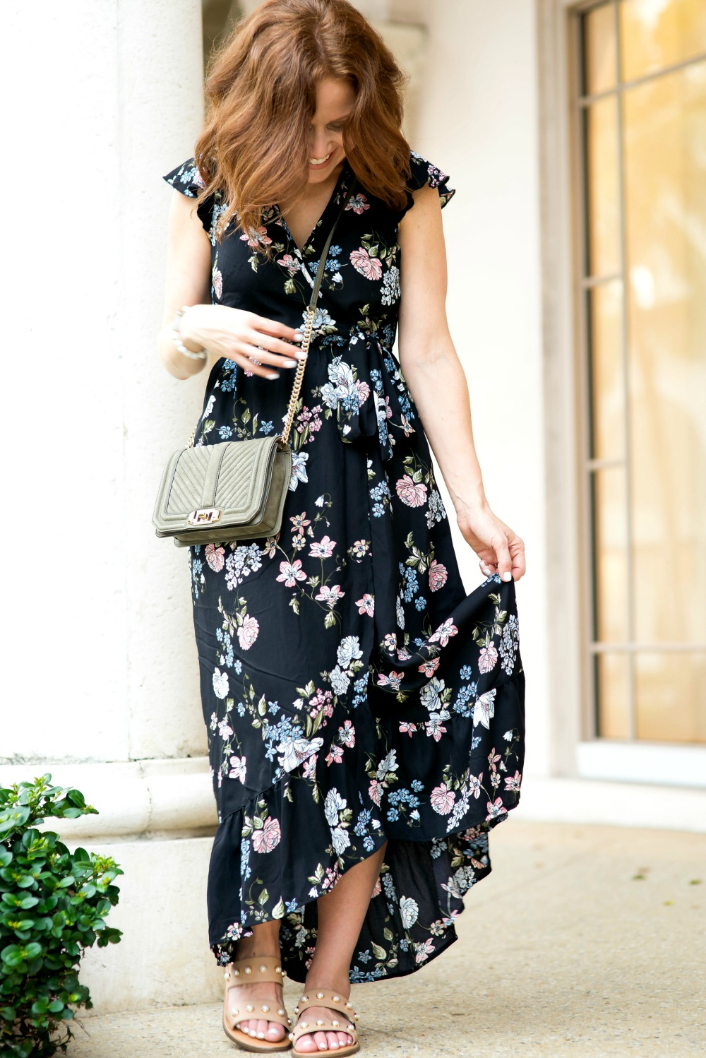 Floral maxi dress for fall // the modern savvy