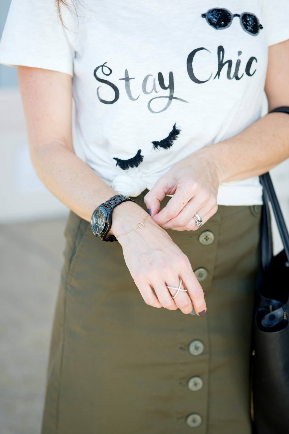 Stay Chic tee // the modern savvy