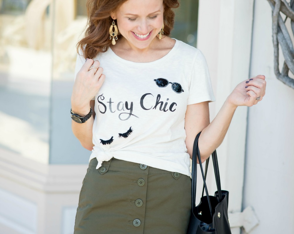 Stay Chic tee & olive green pencil -- everyday fall style // the modern savvy