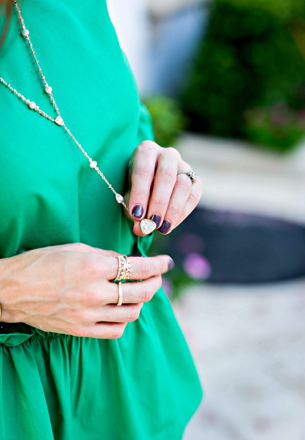 Delicate necklace that works with all your fall looks // the modern savvy, a life & style site