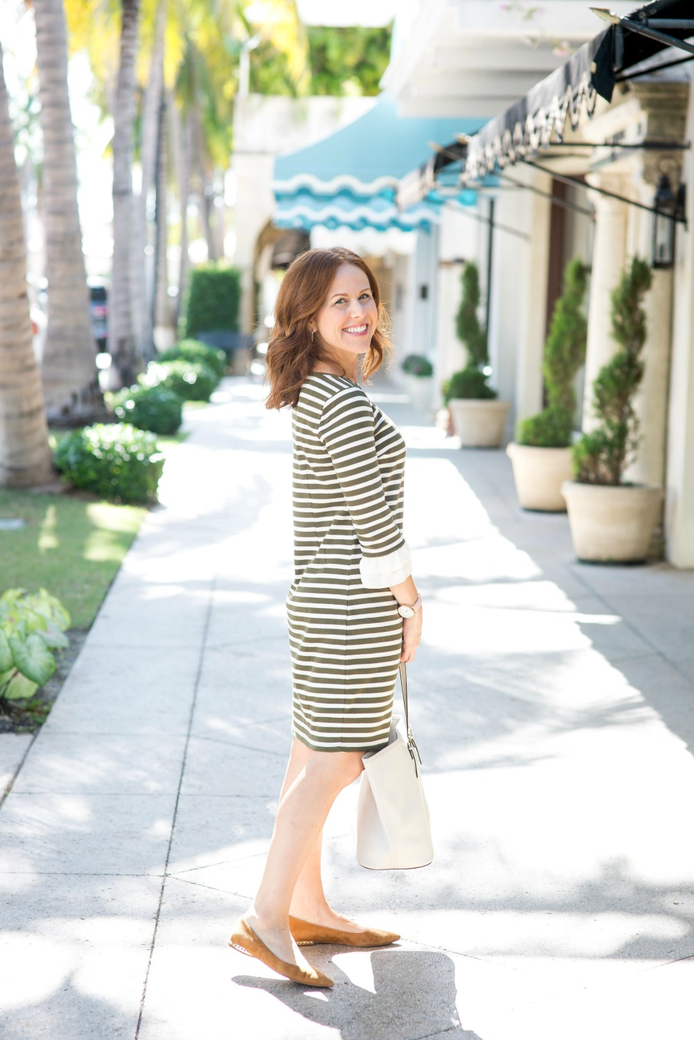 The Throw on and GO dress every girl should have // the modern savvy