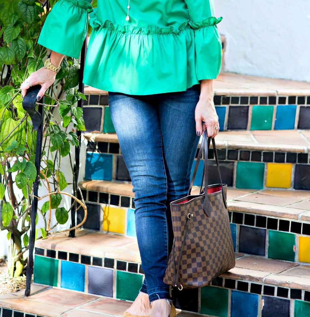 Easy mom outfit ideas // the modern savvy
