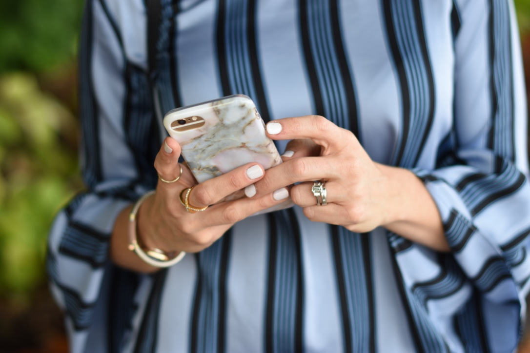 How to extend your phone's battery life // the modern savvy, a life & style blog