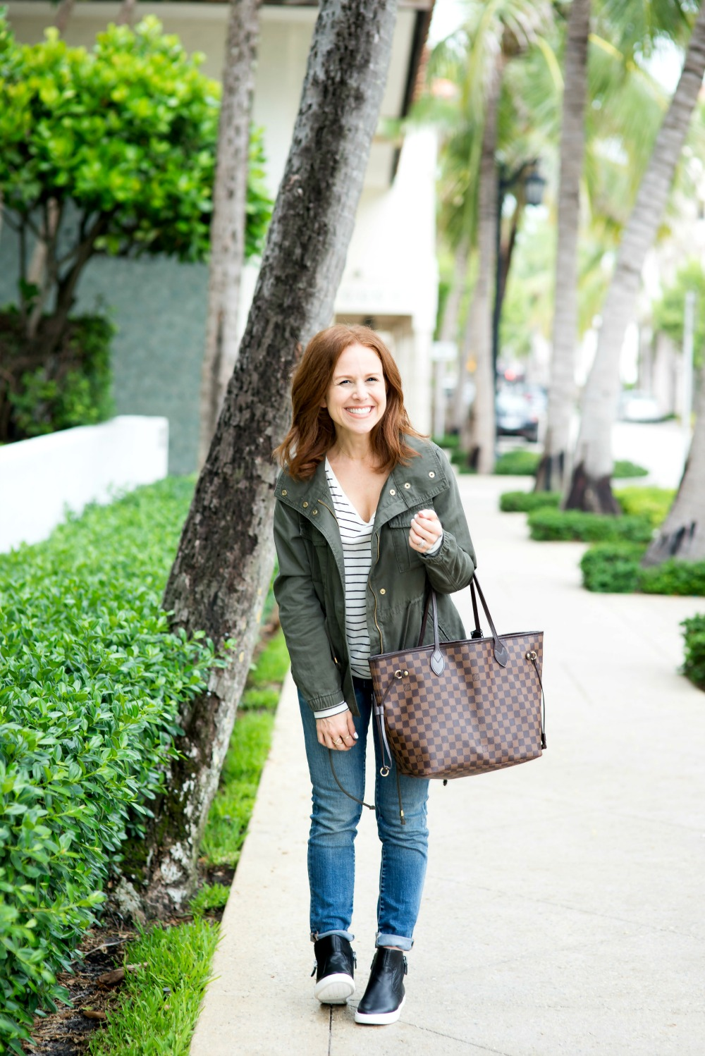 Fall outfit inspiration (basic girl uniform -- just add a starbucks cup!) // the modern savvy, a life & style blog