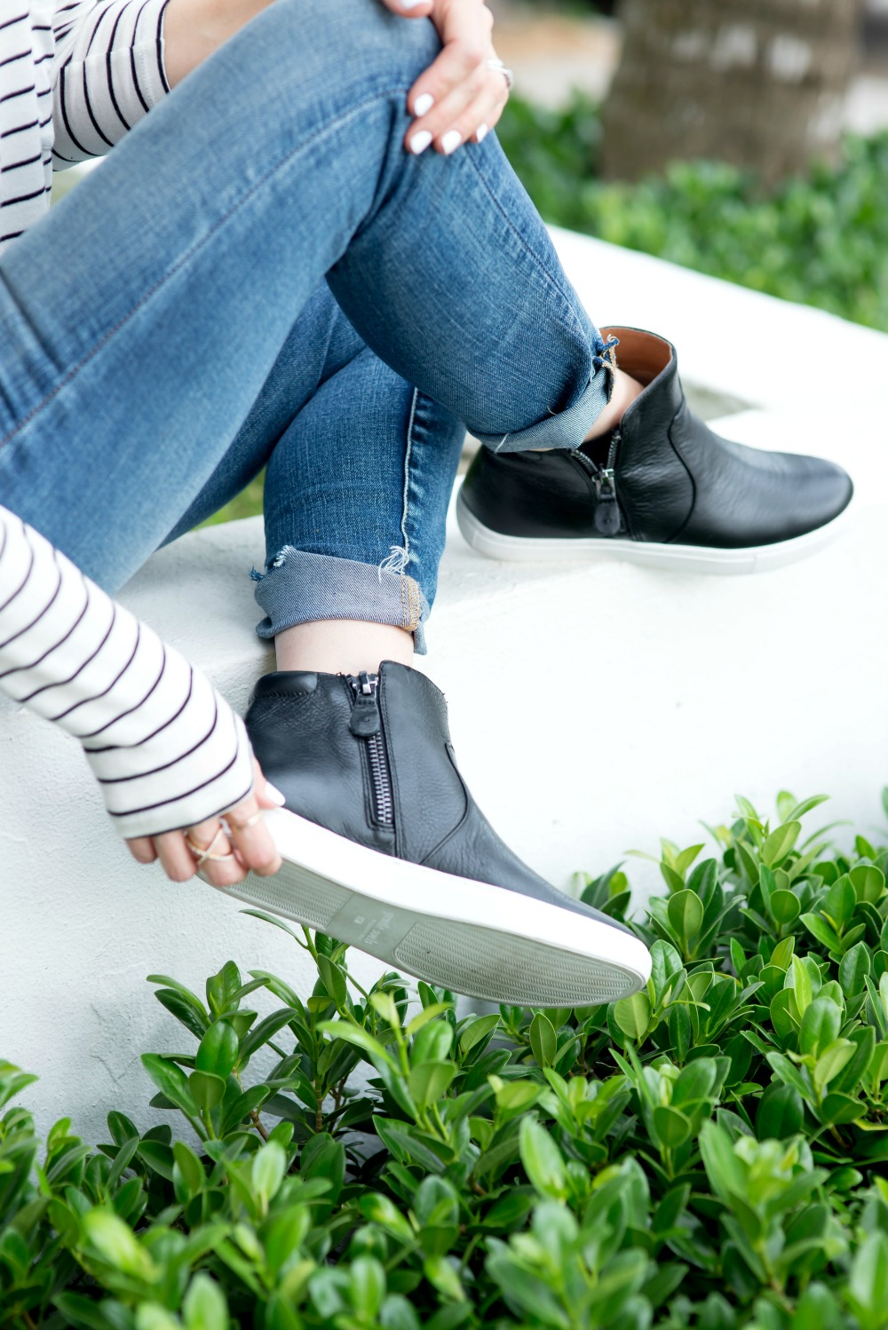 Update your sneaks game with a pair of chic black high tops // the modern savvy, a life & style blog based in florida