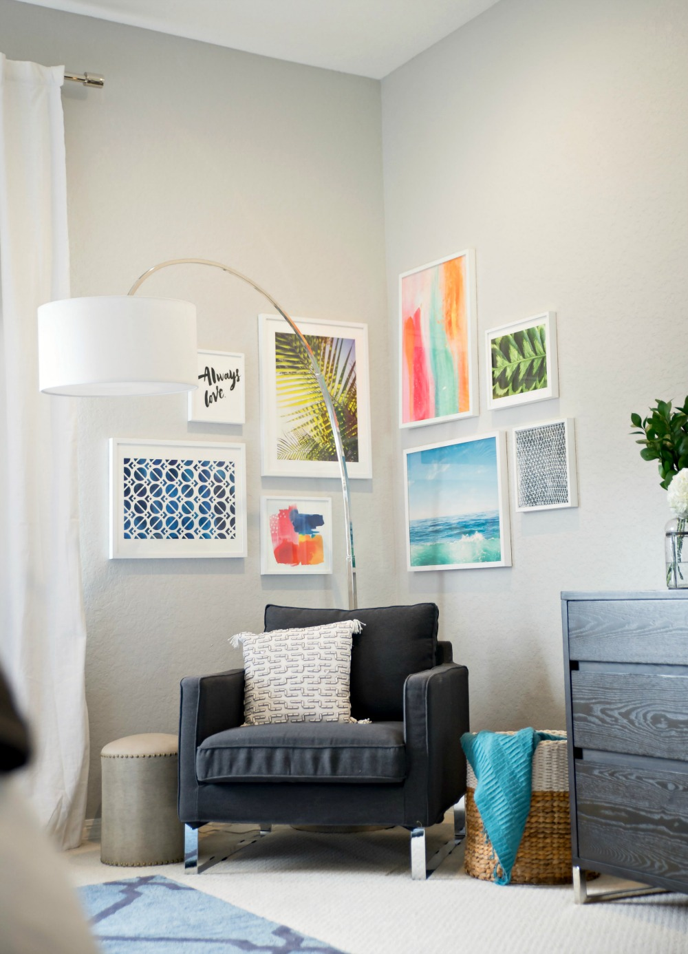 How to Create a Gallery Wall -- 10 helpful tips so you can do it yourself!