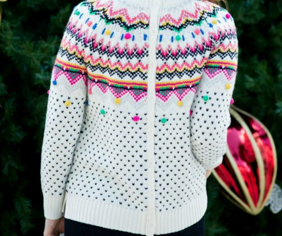 Festive fair isle sweater for the holidays // the modern savvy
