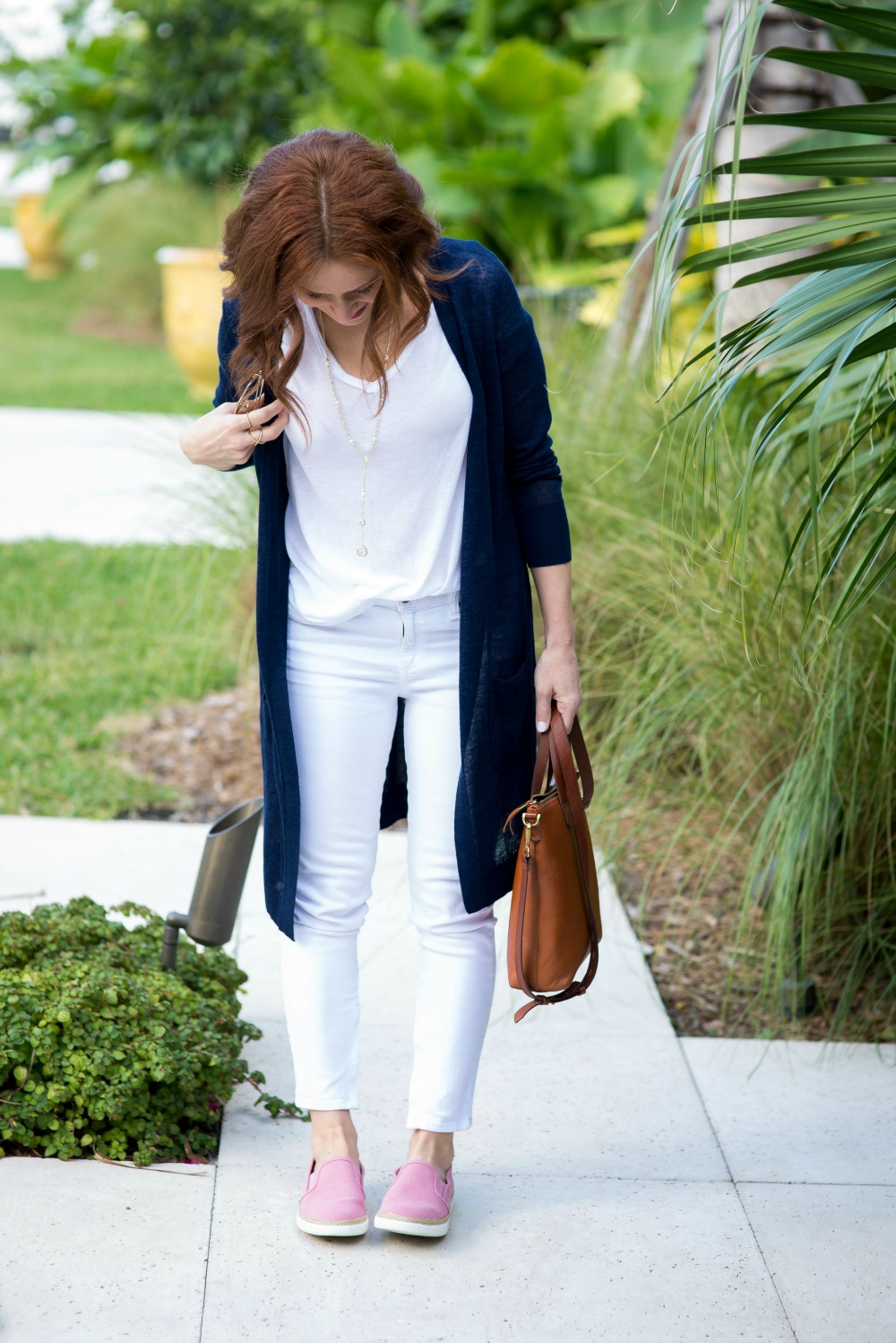 White tee & jeans - White Tee and Jeans outfit by popular Florida style blogger The Modern Savvy