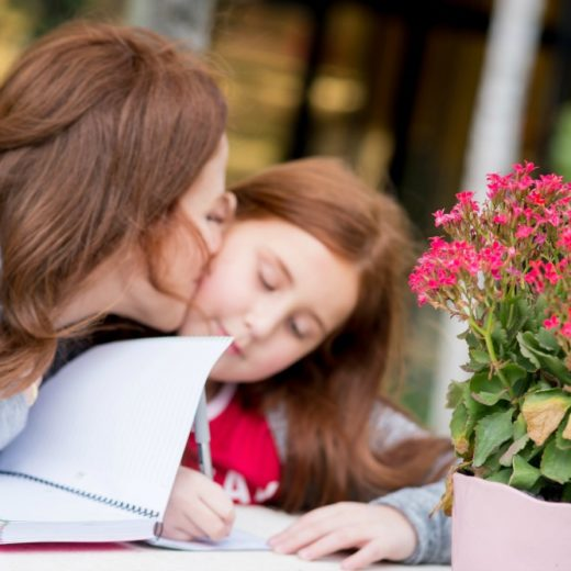 Mother Daughter Journaling to communicate with your little one // the modern savvy