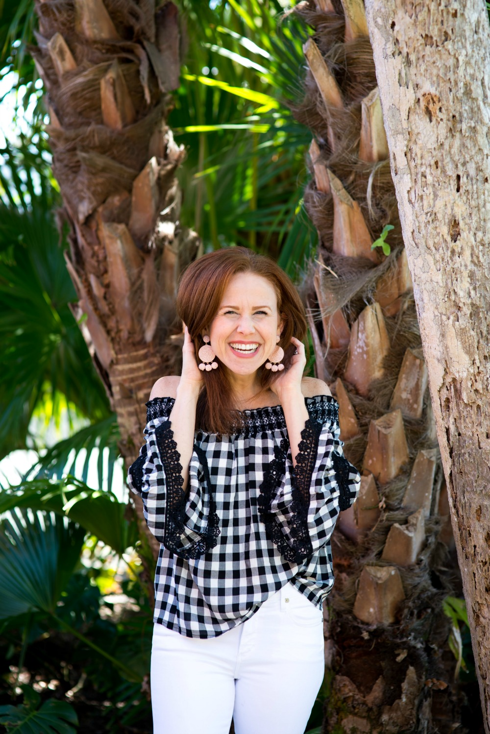 Easy spring date night outfit ideas // the modern savvy - Cute Plaid Top for Spring by popular Florida style blogger The Modern Savvy