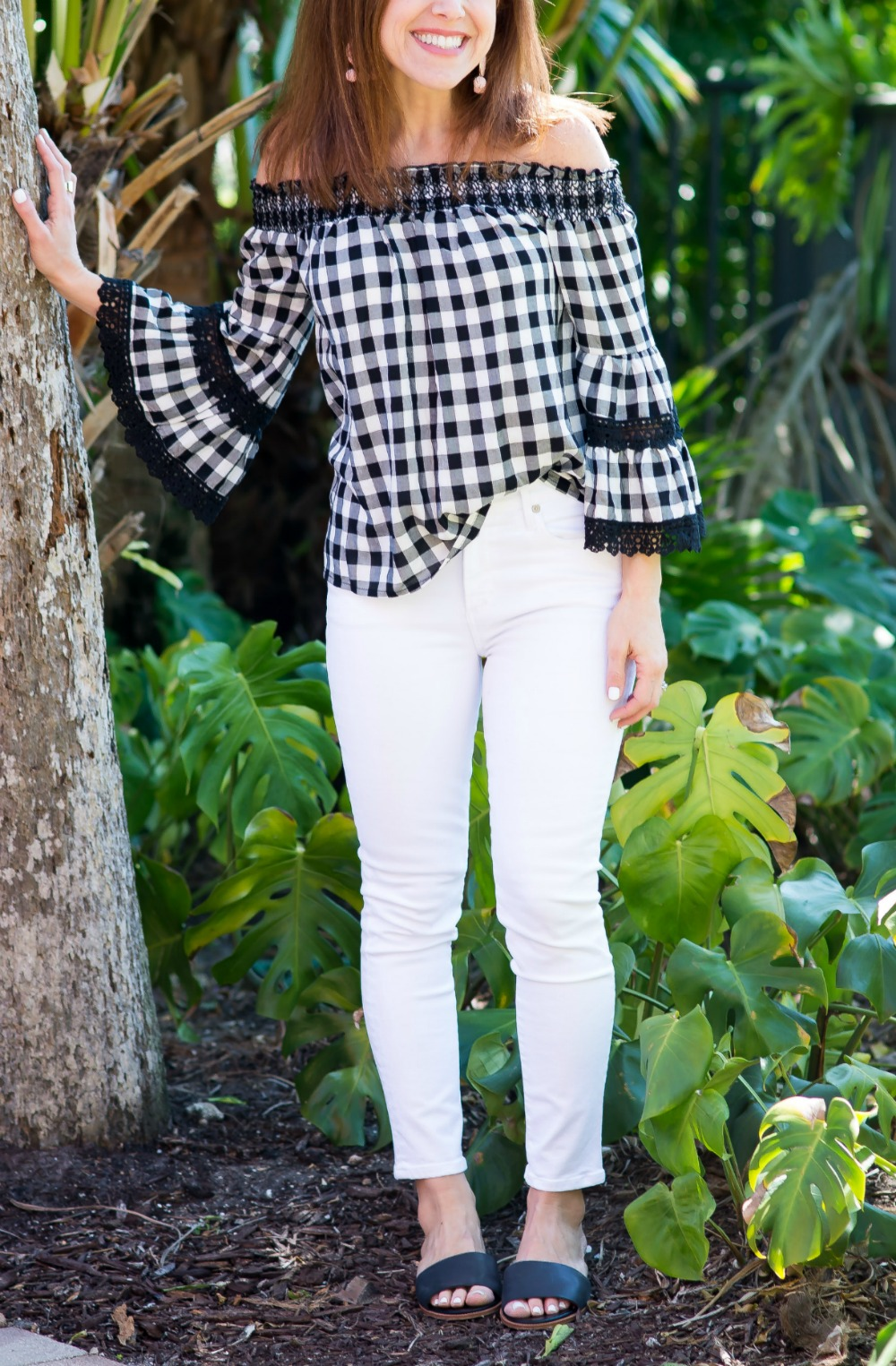 Easy date night outfit ideas on a budget // the modern savvy