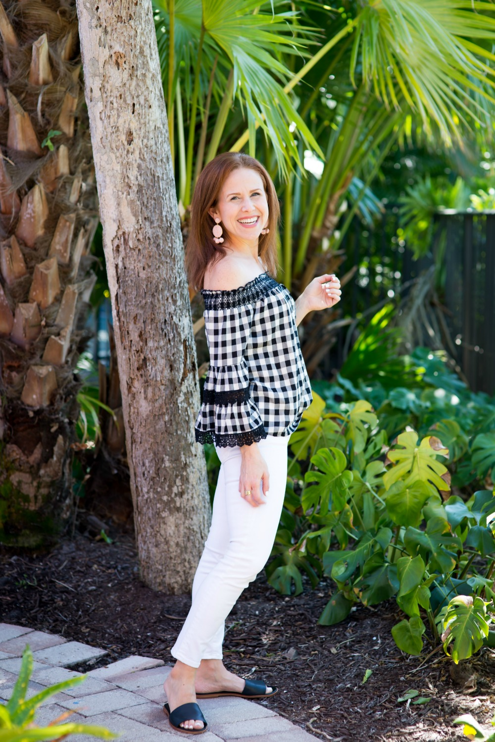 Casual spring style for the every girl // the modern savvy - Cute Plaid Top for Spring by popular Florida style blogger The Modern Savvy