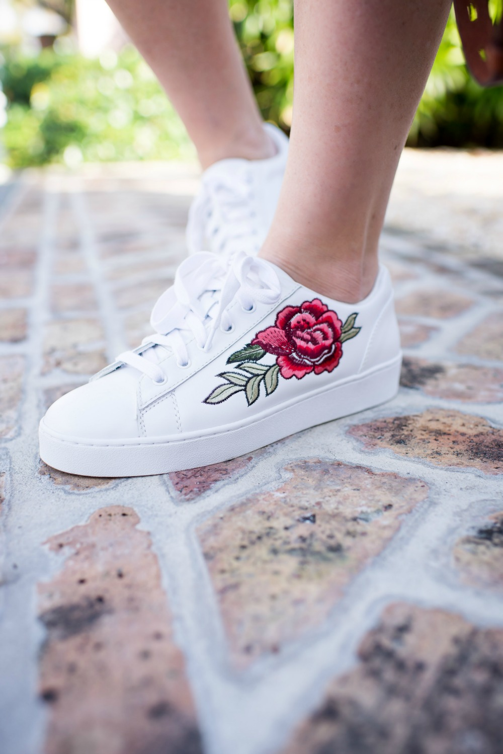 Embroidered sneakers for spring // the modern savvy