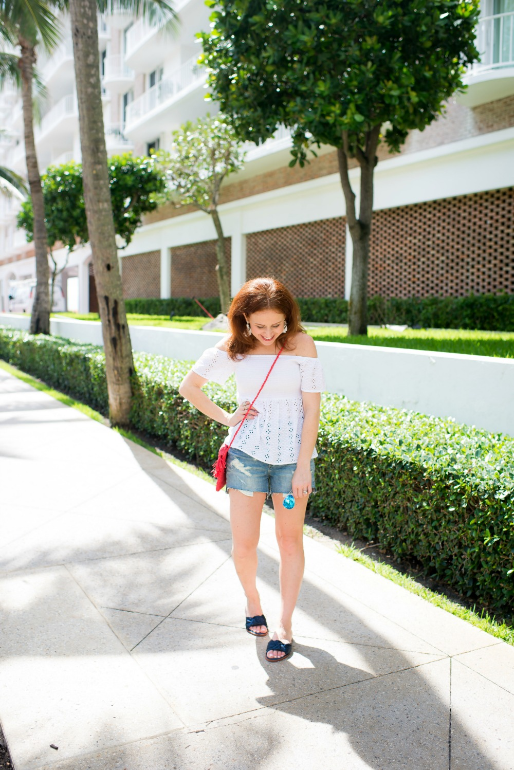 Casual cute 4th of July outfit ideas - Casual Cute 4th of July Outfit featured by popular Florida style blogger, The Modern Savvy