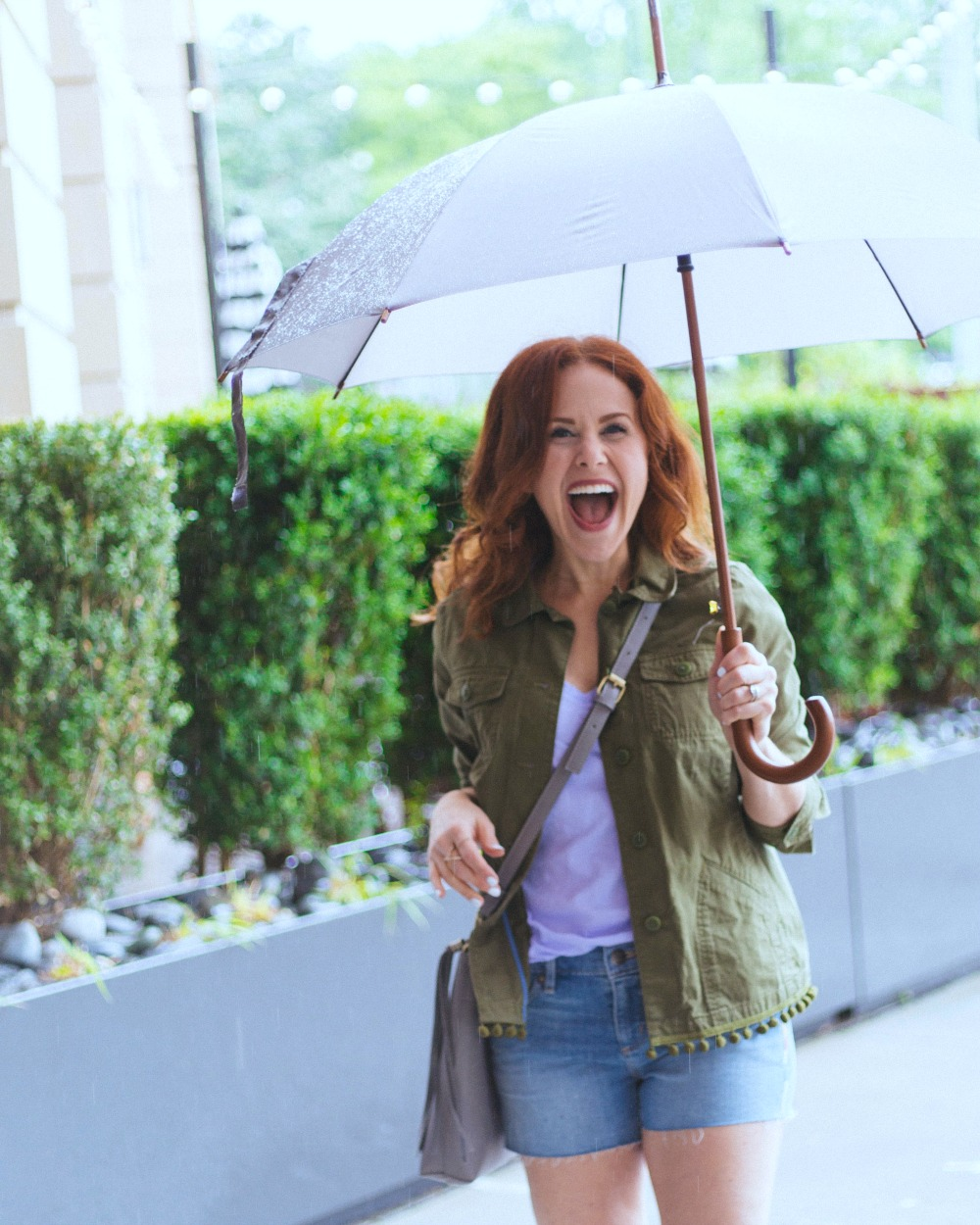 Rainy day smiles // the modern savvy, a florida life & style blog - A Day in the Nashville Rain by popular Florida travel blogger, The Modern Savvy