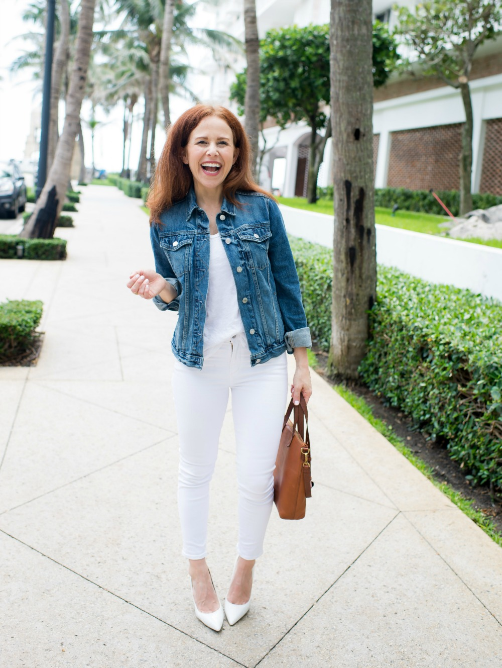 Five Easy, Cute Outfit Ideas for a White tee and white jeans #summeroutfit #whitetee #whitedenim | How to Wear White Jeans & White Tee - outfit ideas featured by popular Florida style blogger, The Modern Savvy