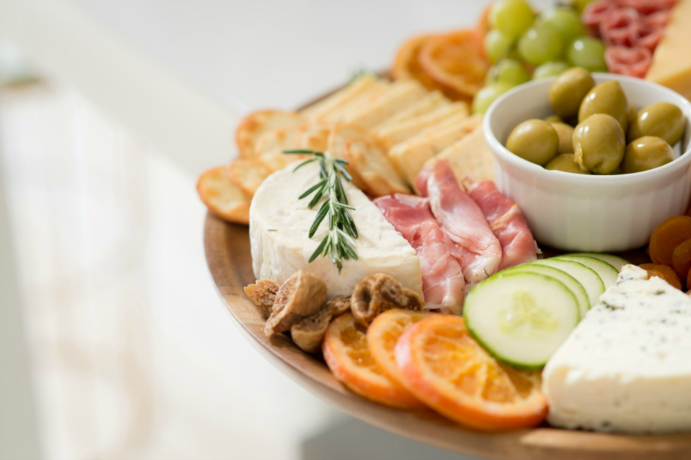 #cheese #partyfoods - The Best Cheese Board Ideas for your Next Dinner Party featured by popular Florida life and style blogger The Modern Savvy