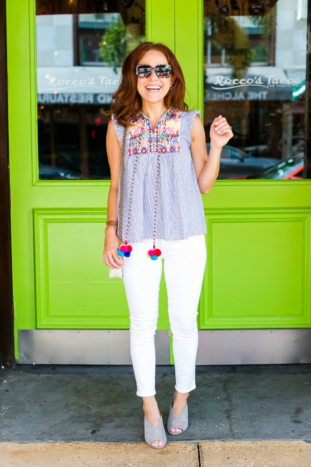 #whitejeans #over30 - Cutest $17 Summer Top, Basically Ever featured by popular Florida style blogger The Modern Savvy
