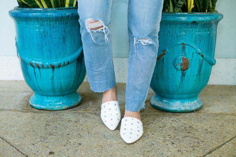 White mules from Target for fall -- super chic, affordable shoe upgrade! | #whiteshoes #fallfootwear - Target | LOFT | Anthropologie | The Hottest Fall Trends for Warmer Weather featured by popular Florida fashion blogger The Modern Savvy