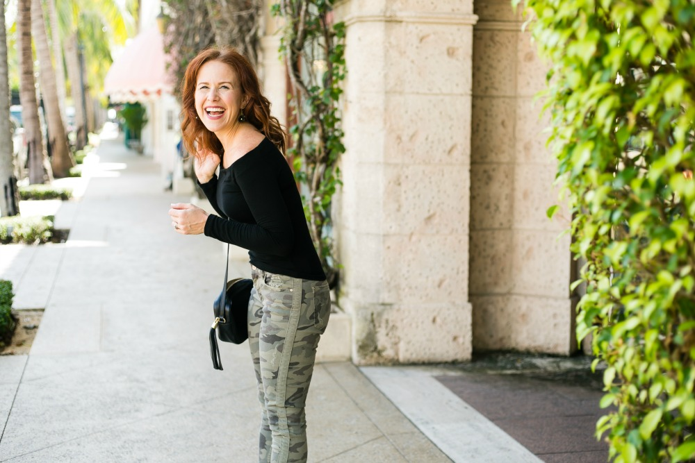 How to style camo pants two ways -- from dressed up to weekend casual #fallstyle #camo