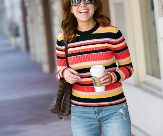 Ribbed sweater for fall // the modern savvy #fallstyle #90sstyle #momoutfit