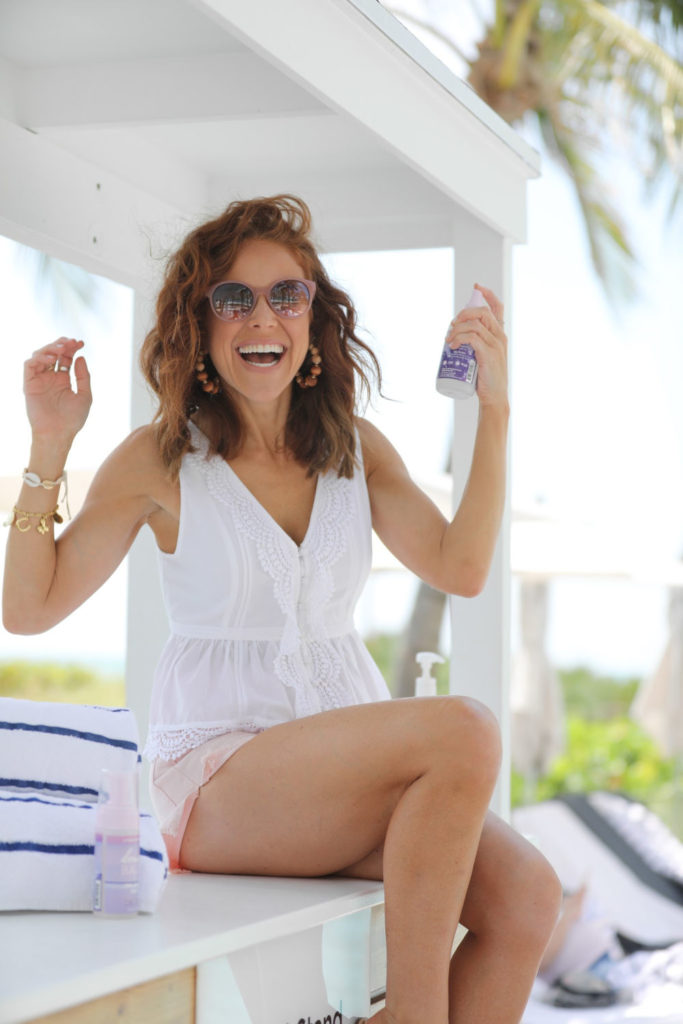 Beachwaver Products featured by top US life and style blog The Modern Savvy
